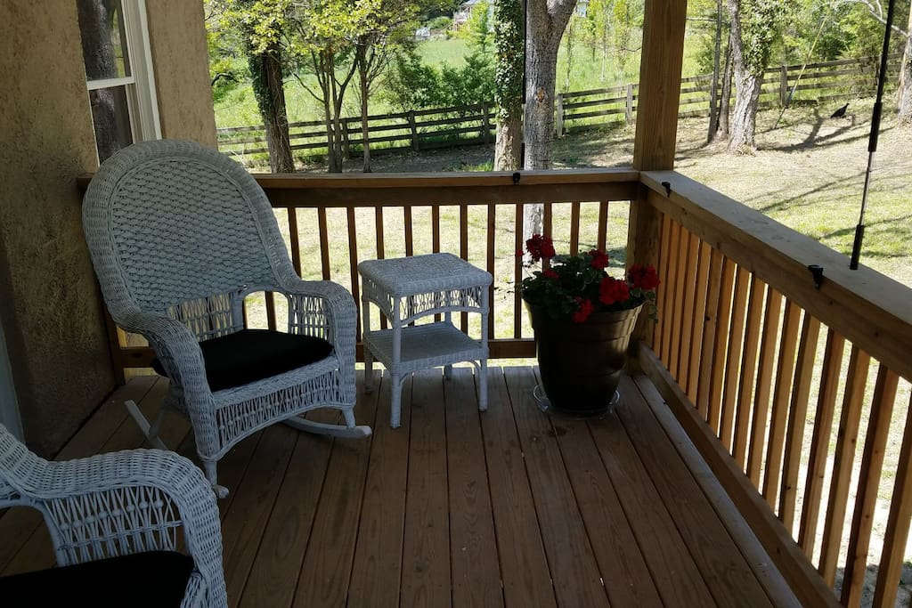 Front porch outdoor space