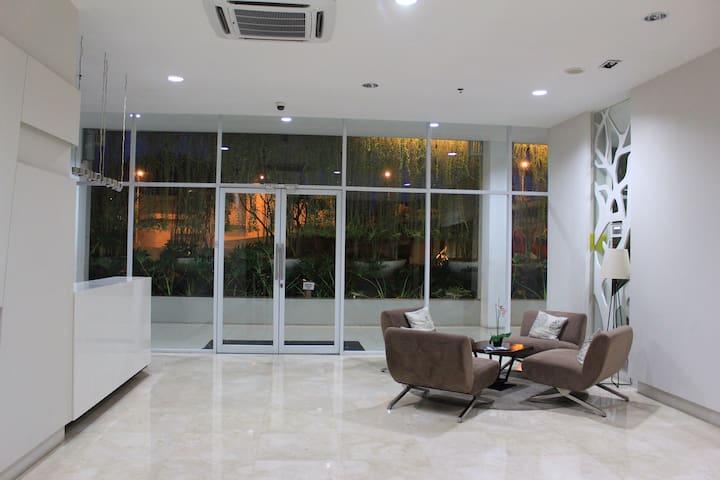 New Apartment in Bintaro, Next to Bintaro Plaza - Pondok Aren - Wohnung