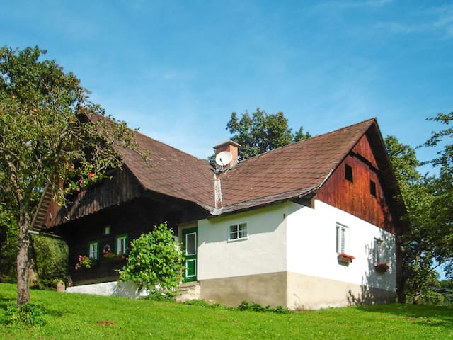 Charming former farm house from the 18th century with beautiful view of the valley