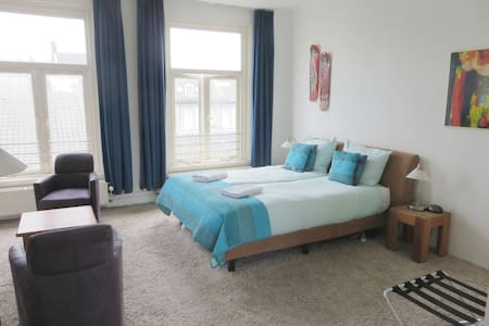 Big apartment with kitchen, own shower & toilet