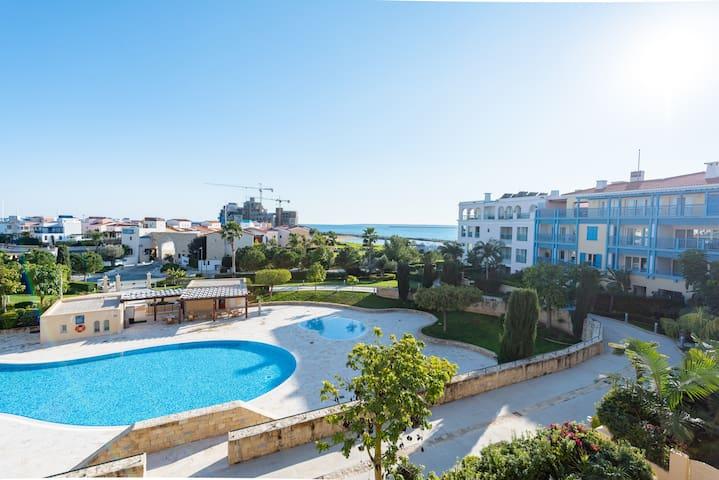 Luxurious 2 bedroom apartment at Limassol Marina