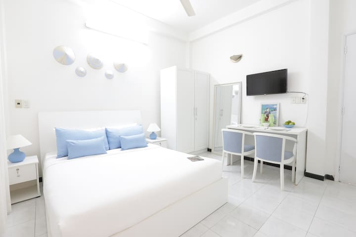 Cozy 2BR Apt Near Central HCMC - Ho Chi Minh