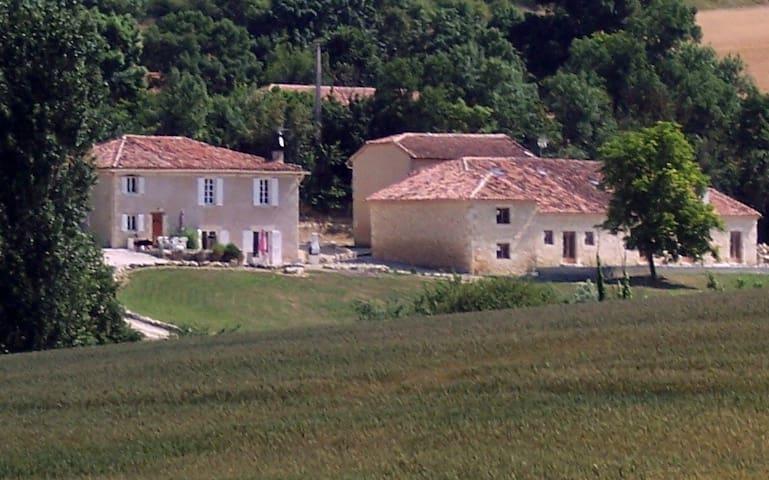 L'HERMITAGE DE BIDOUCHAC - Larroque-Saint-Sernin - Bed & Breakfast
