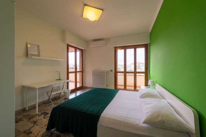 Nice  room in Florence AC_3