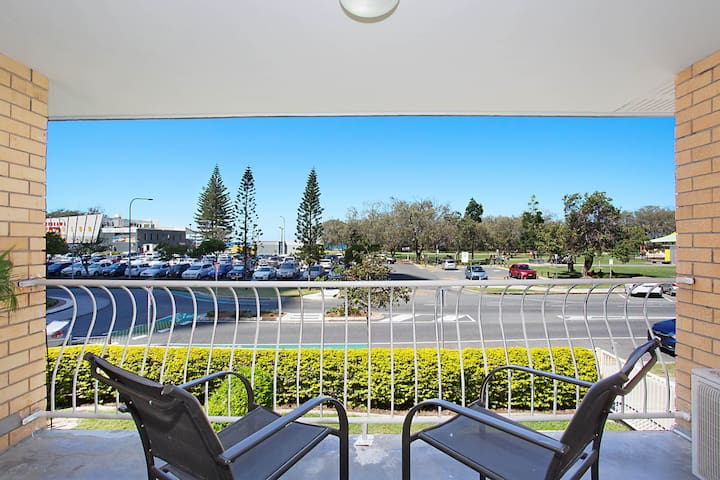 Kurrawa Lodge - Broadbeach - House