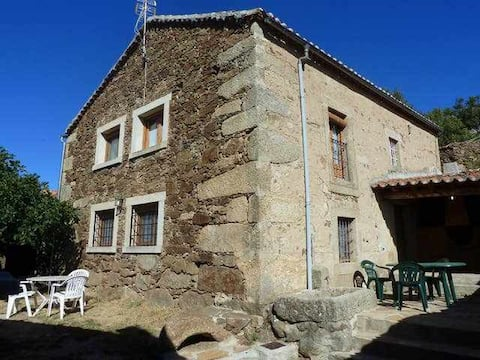 """Casa rural Avila """"la higuera"""" 6 plazas+suple Piscina Ideal Familias y niños"""