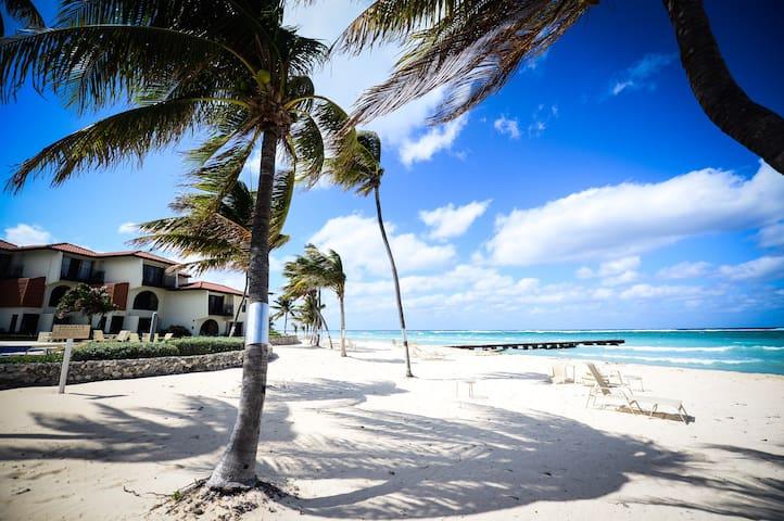 Cayman Breezes at Villas Pappagalo