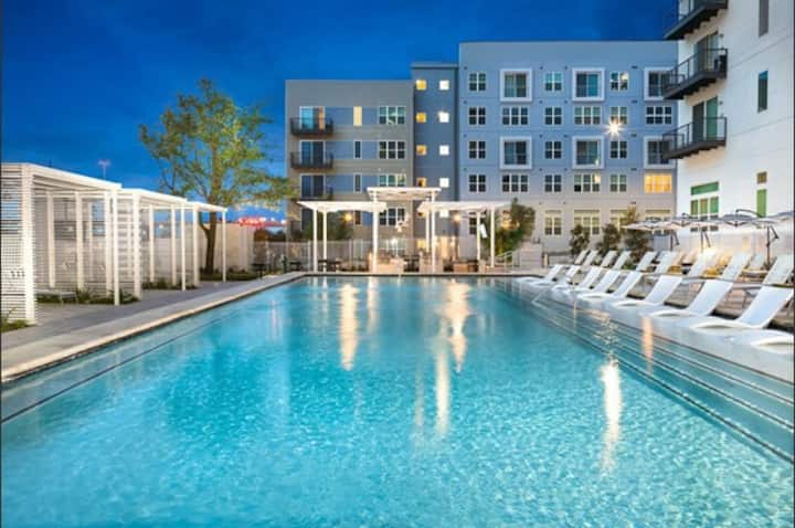 Paradise Pool OPEN Legacy West 2 BR's King & Queen