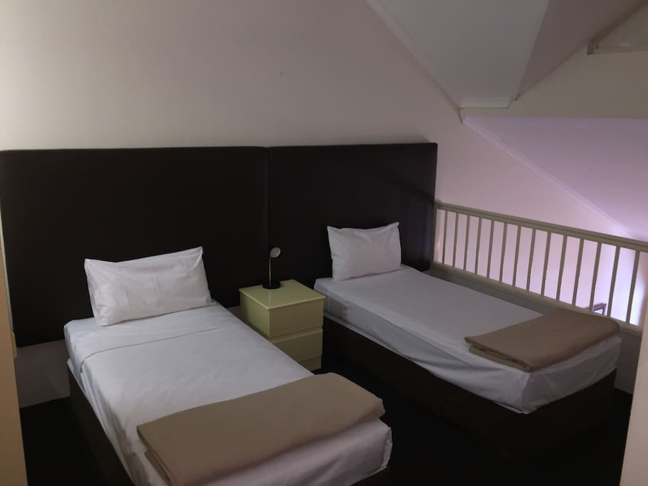 2 Single Beds Upstairs