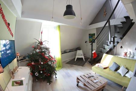 Bel appartement (F1) refait à neuf, proche de la boucle - Besançon