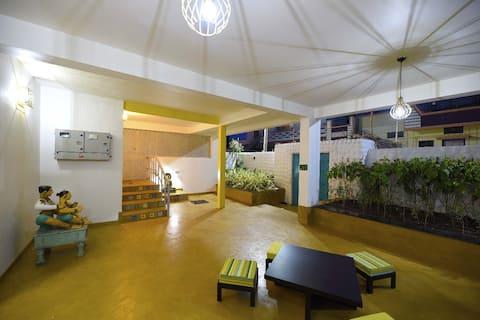 Cozy room in ground floor of homestay at Badami