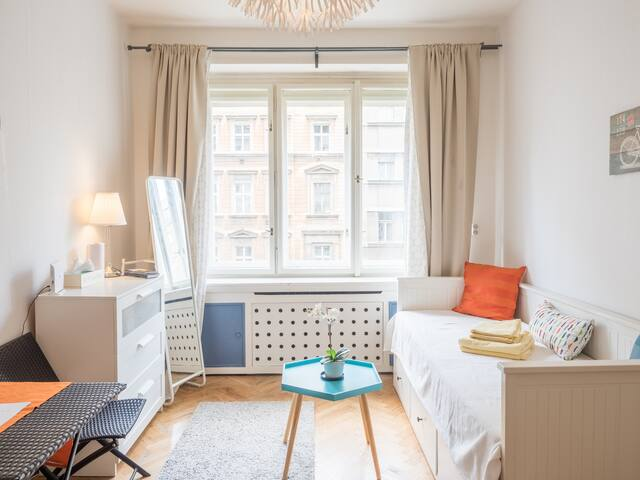 LOVELY studio 2pers. WENCESLAS Sq. 6m walk