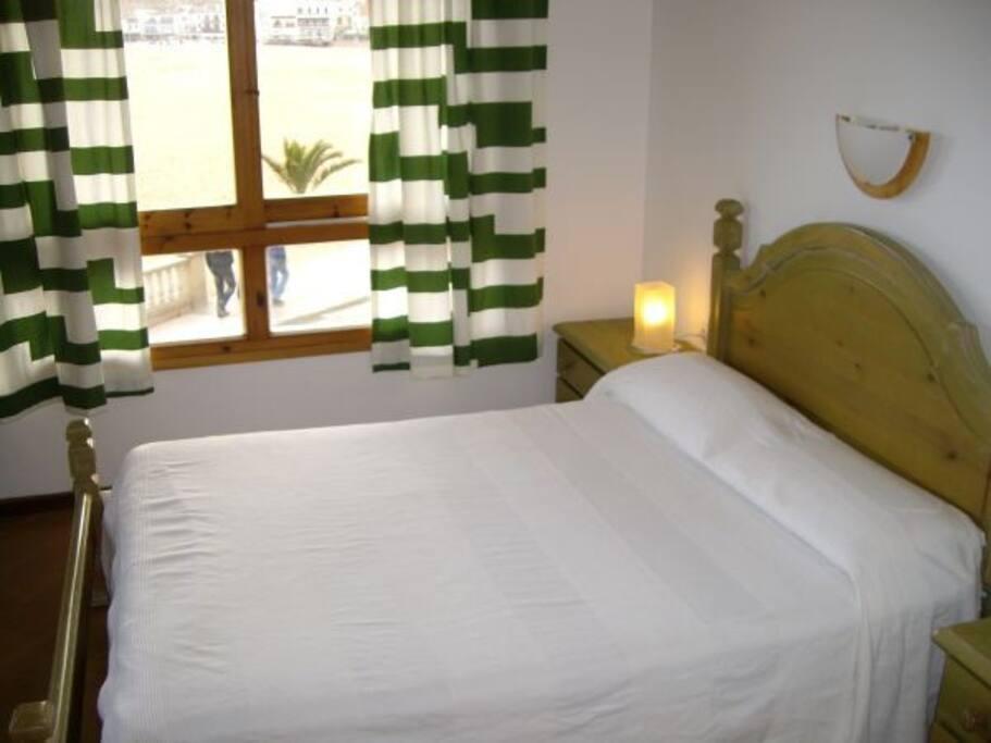 Habitación doble cama matrimonio con vistas