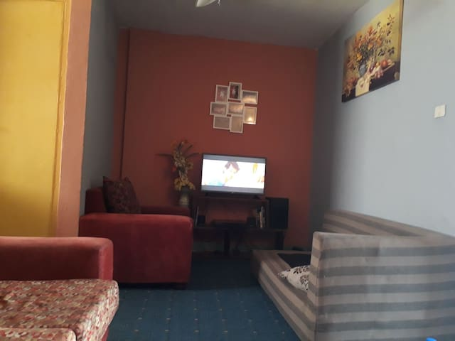 Furnished Double Bed House 10 minute from airport