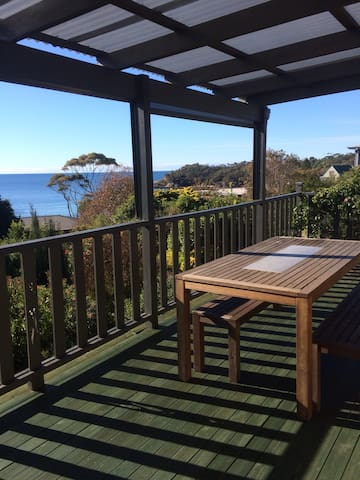 North facing, ocean views, 5 mins walk to beach