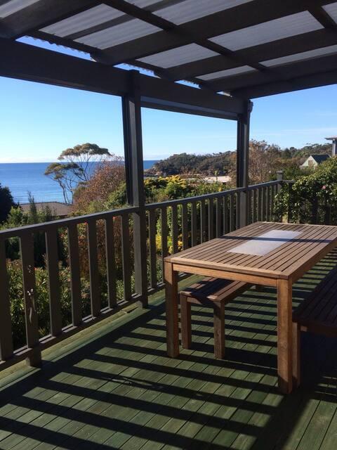 North facing, ocean views, 5 mins walk to beach