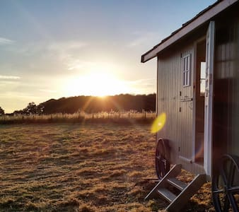 Frenches Farm Romantic Retreat B&B - Little London - Hut