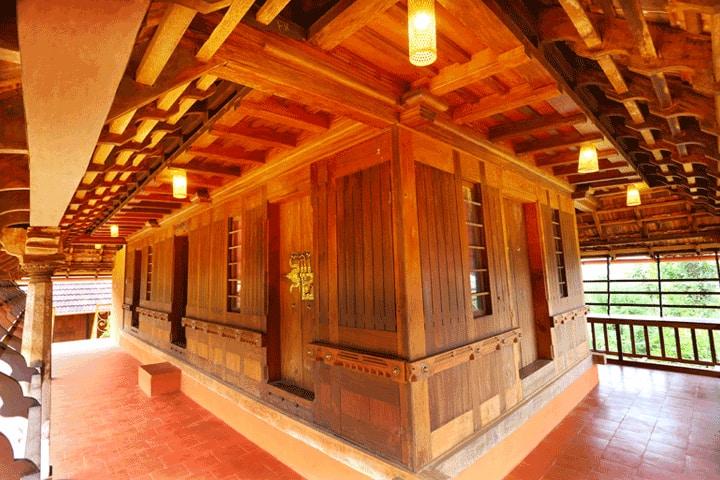 Pathayapura Wayanad ( 3 bed Heritage wooden villa)