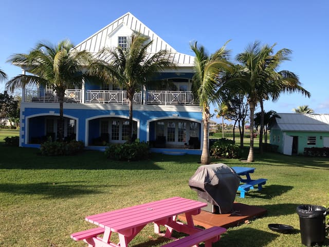 3 Gorgeous, Old Bahama Bay Oceanfrnt Junior Suites