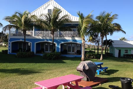 3 Gorgeous, Old Bahama Bay Oceanfrnt Junior Suites - West End - Osakehuoneisto