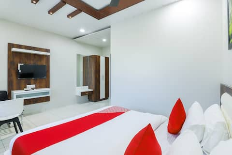 OYO 1 BR Comfortable Stay In Bhuj