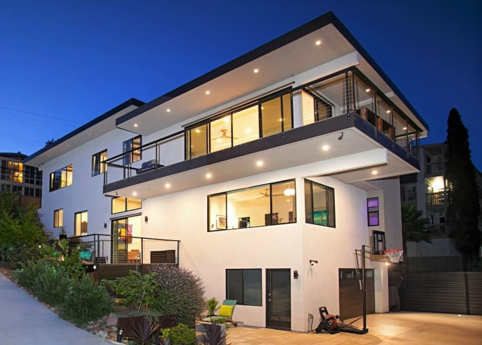 Amazing views new modern home close to all houses for for Modern homes san diego