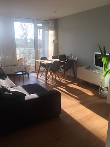 Modernes City/Uni Appartement - Flensburg - Apartment