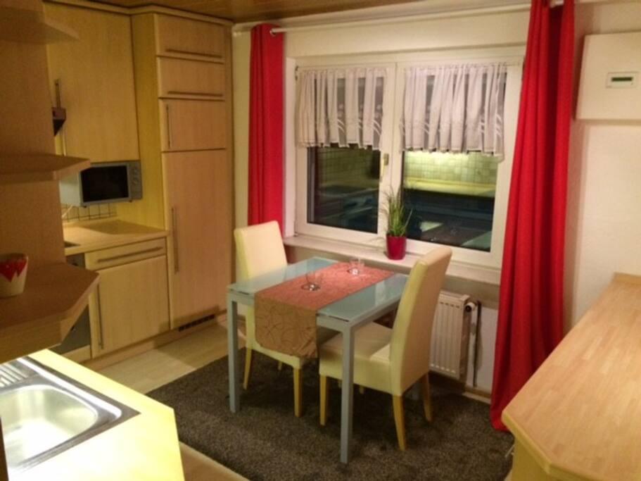 ferienwohnung 58qm pendler in regensburg wohnungen zur miete in regensburg bayern deutschland. Black Bedroom Furniture Sets. Home Design Ideas
