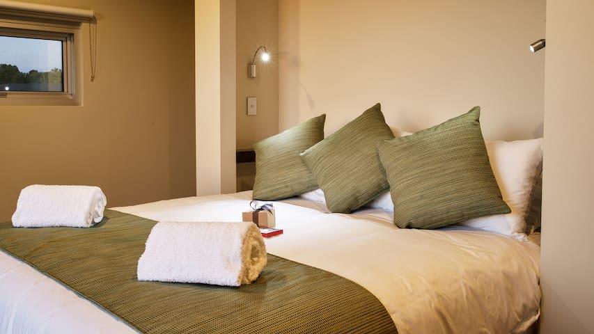 Bedroom overlooking The Murray River