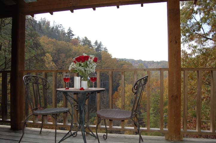 Little Cabin All To Yourself - Sevierville