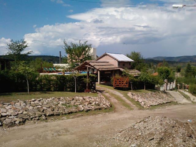 Cabañas Samana Huasi en Mayu Sumaj - Villa Icho Cruz