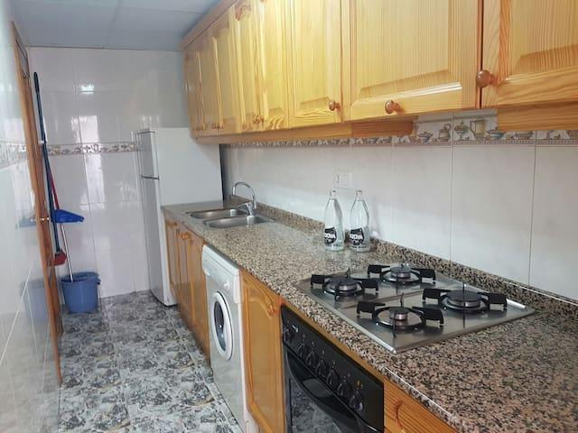 Apartamentos funcionales y equipados 2º - Montanejos - Daire