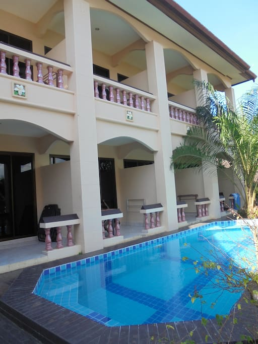 Swimming pool for only 8 deluxe rooms