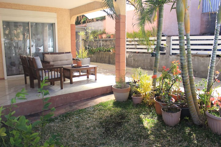 Maison F4 180 m², avec piscine