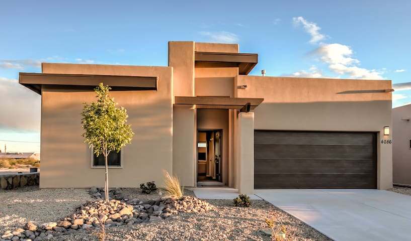 Luxury New Home with Organ Mountain Views!