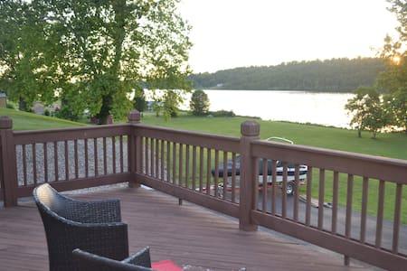 Kentucky Riverfront Retreat--Amazing River Views!