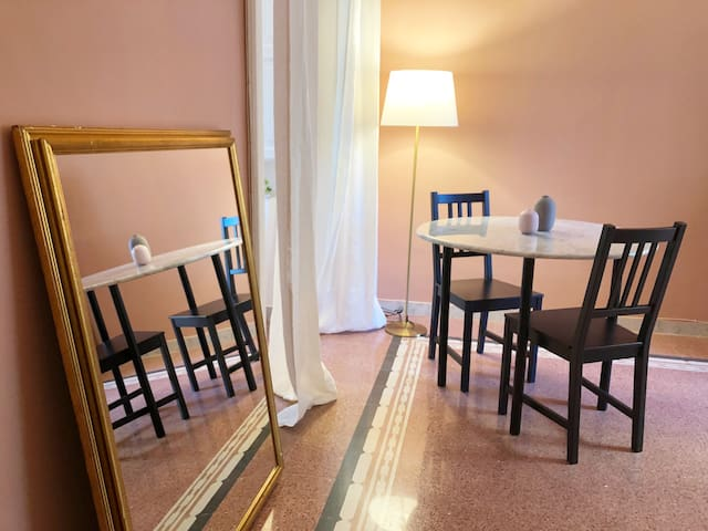 - The dining area *Chez Mamie* managed by #starhost  - La sala da pranzo *Chez Mamie* gestito da #starhost #uniquehomesperfectstay #starhoststay