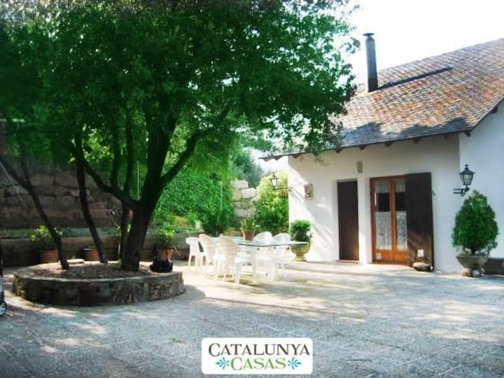 Catalunya Casas: Villa Sallent only 35 km from Barcelona and the beach!