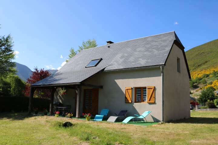 jolie maison en vallée d'Aure classée 4 **** - Arreau - Casa