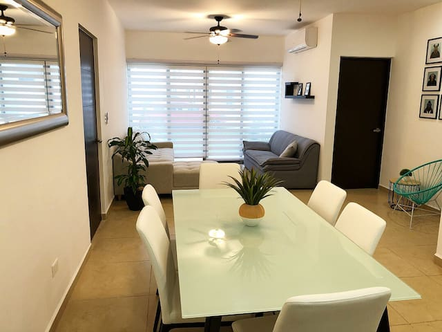 New 3 bedrooms apt in Cancun, pool & good location