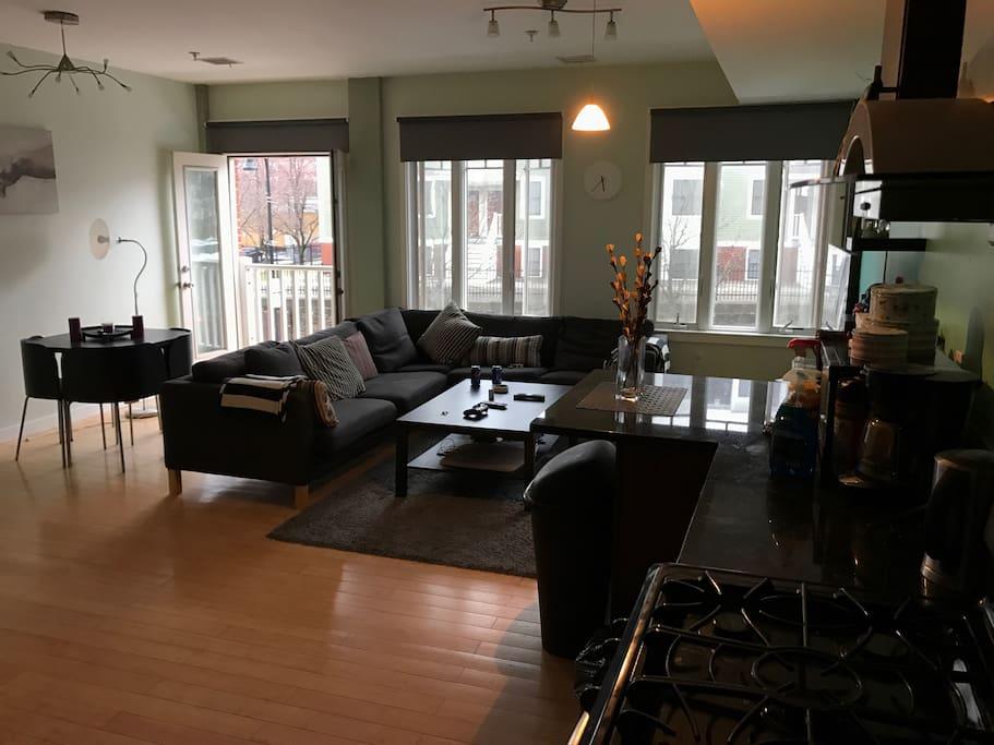 Livingroom + Dining area