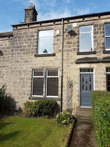 Beautiful stone house in  Horsforth