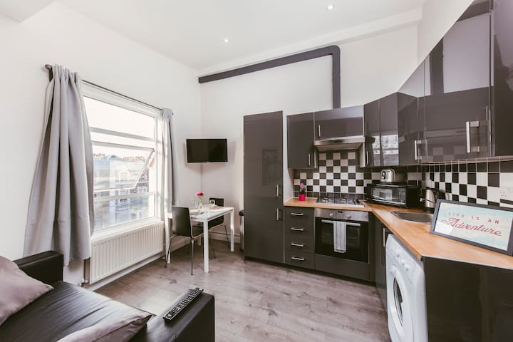 Cozy 1 bed flat 1min from Ladbroke Grove St