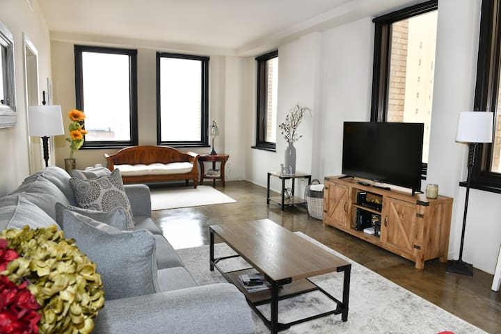 Luxury Suite in the Heart of Downtown