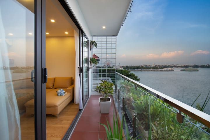 Greeny House - Studio with Lakeview L3