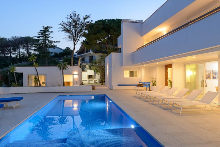 Juca Blanca (new19)  Costa Brava with Sea views