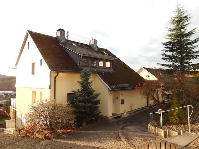 geräumige 3-Zimmer-Wohnung in ruhiger Wohnlage - Neunkirchen