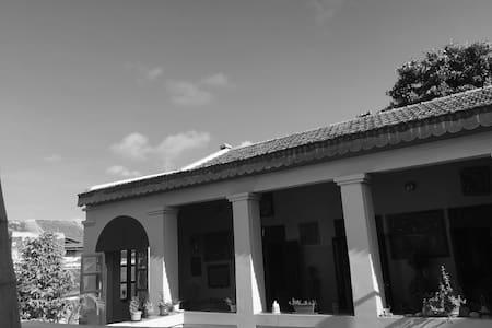 Belle chambre double au coeur de Gorée - 达喀尔(雅法A) - 独立屋
