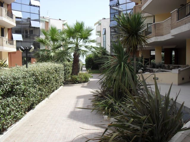 Casa vacanza con giardino 20m dal mare a Roseto - Roseto degli Abruzzi - Casa de vacaciones