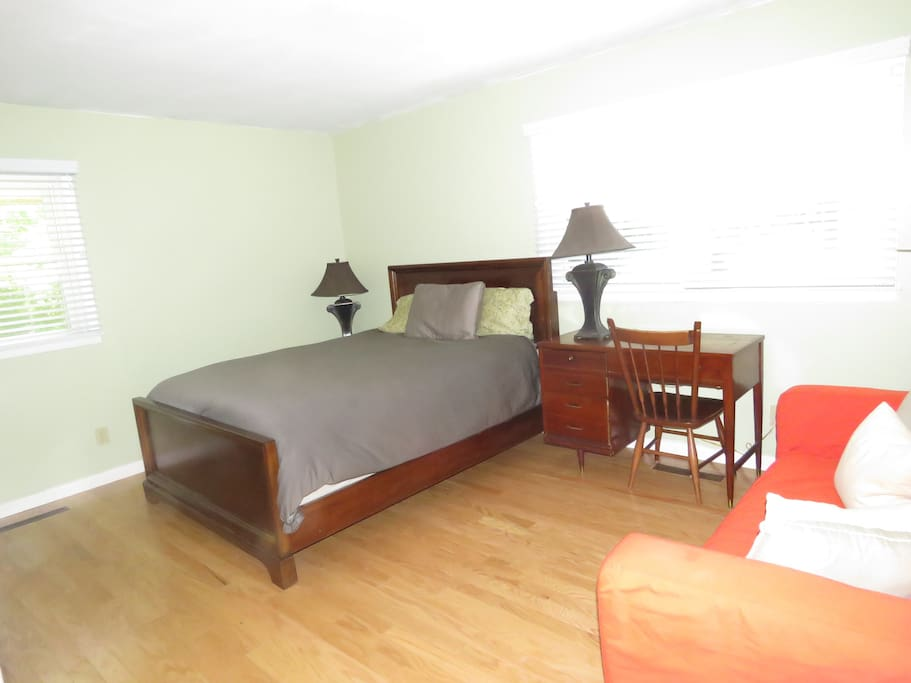 Queen bed and couch.  This room connects to the bathroom and has a walk-in closet.